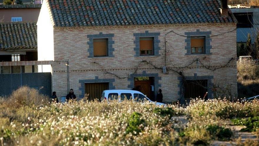 Un hombre asesina a su madre y se atrinchera en su casa en Fuentes de Ebro