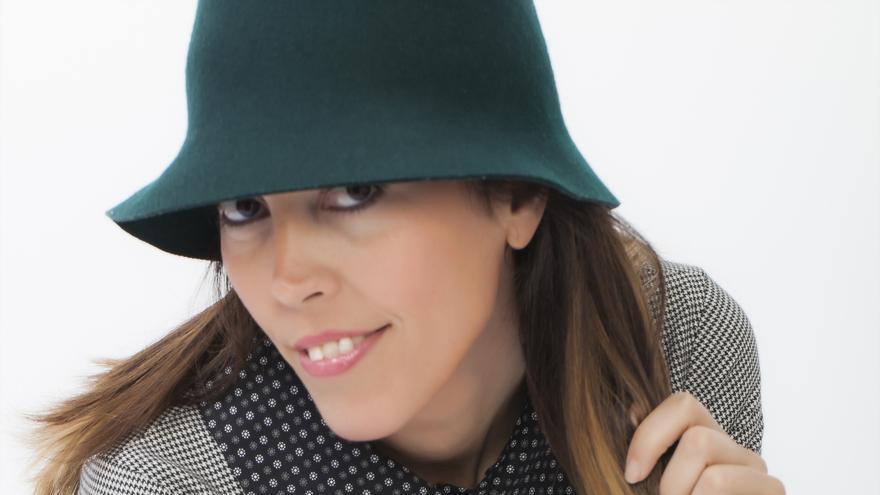 La diseñadora granadina Carola Toca.
