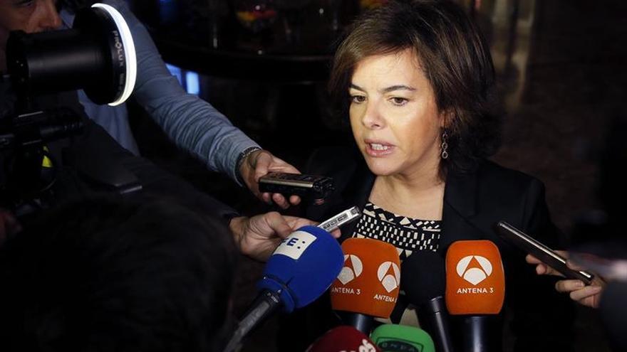 """El Parlament pide la comparecencia de Sáenz Santamaría por la """"operación Cataluña"""""""