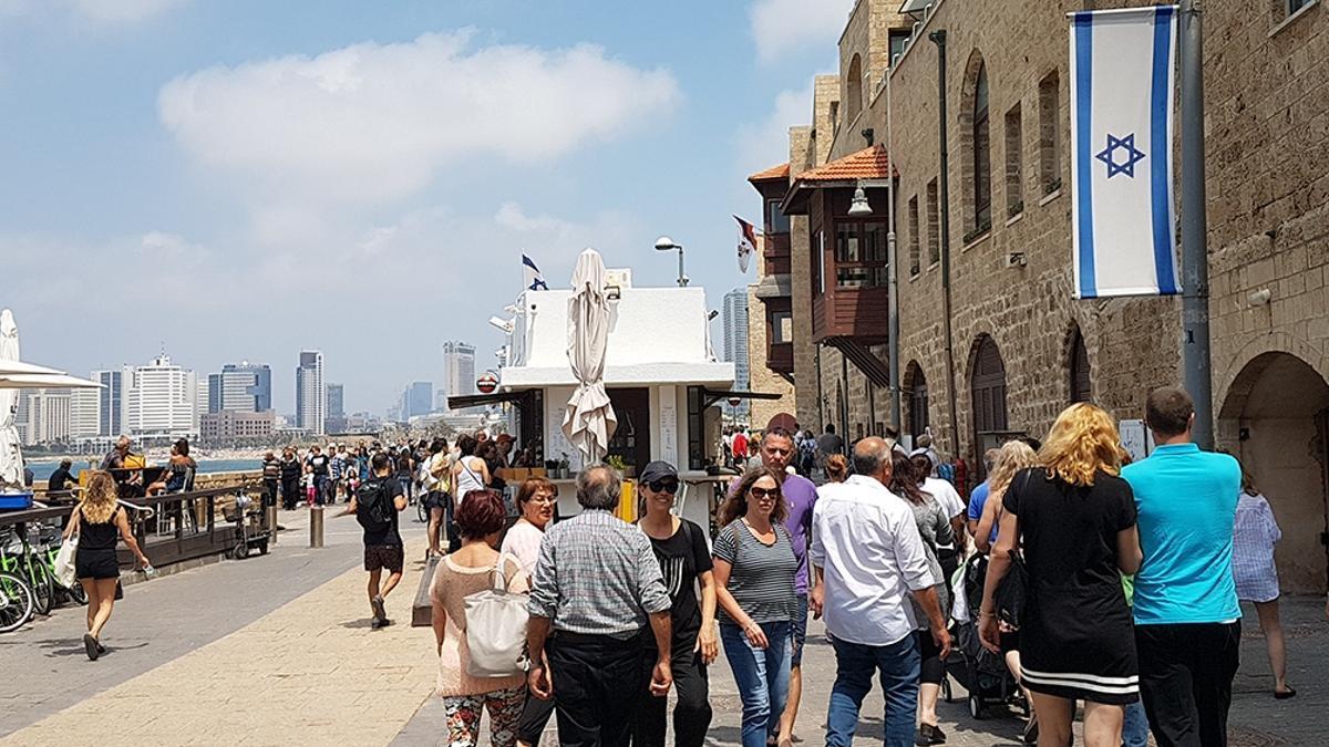 Israel espera llegar a fines de marzo con dos tercios de la población de 9,2 millones de habitantes vacunados.
