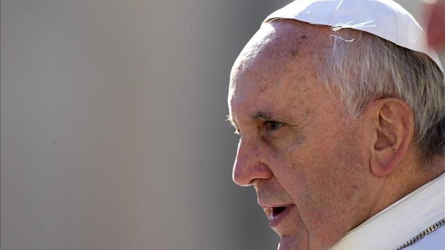 """El papa Francisco arremete contra """"la diosa de la corrupción"""""""