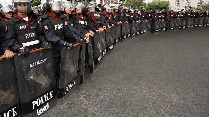 La policía refuerza la seguridad ante el aumento de las protestas en Tailandia