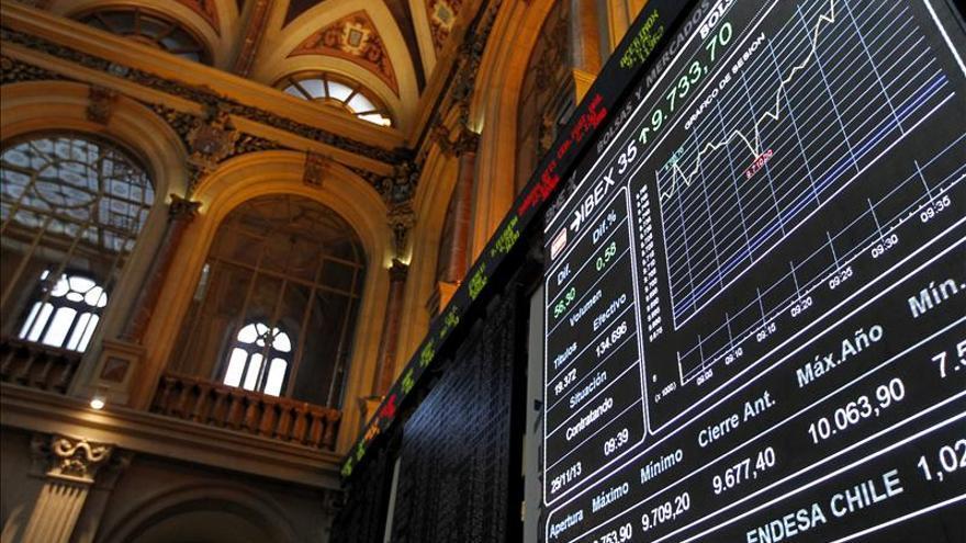 El IBEX sube el 0,24 por ciento y supera los 9.800 puntos