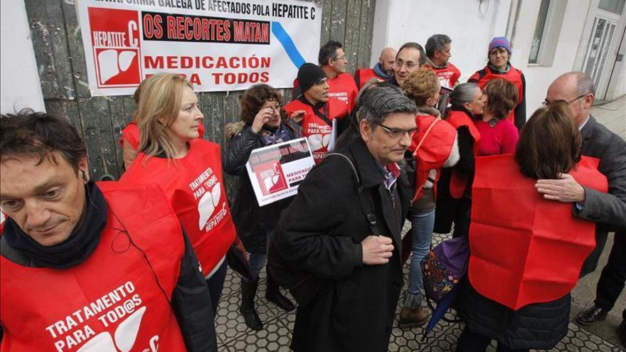 Feijóo promete buscar una solución a la hepatitis C con independencia del coste
