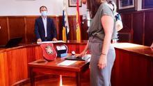 Isabel Rodríguez, durante la  toma posesión del cargo de concejal del PSOE en El Paso en el pleno celebrado este jueves