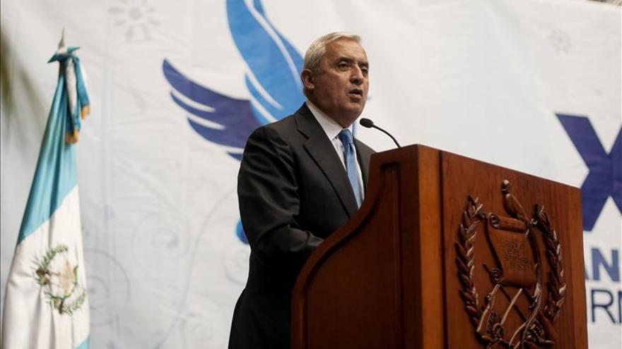 Presidente de Guatemala asistirá este mes a foro de Davos y cumbre de Celac