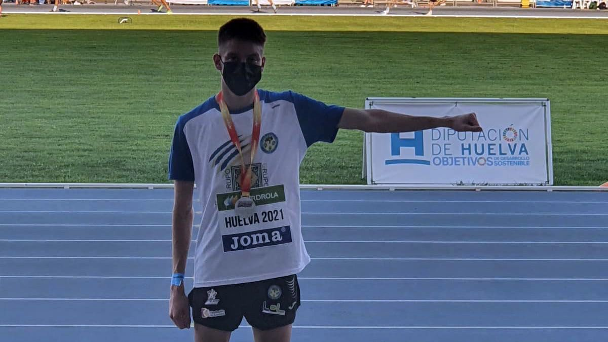 Antonio Mármol, tras lograr la plata en Huelva