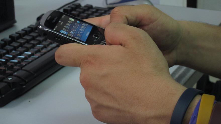 Un 41,5% de la población española de 15 años o más dispone de 'smartphone', según el Ontsi