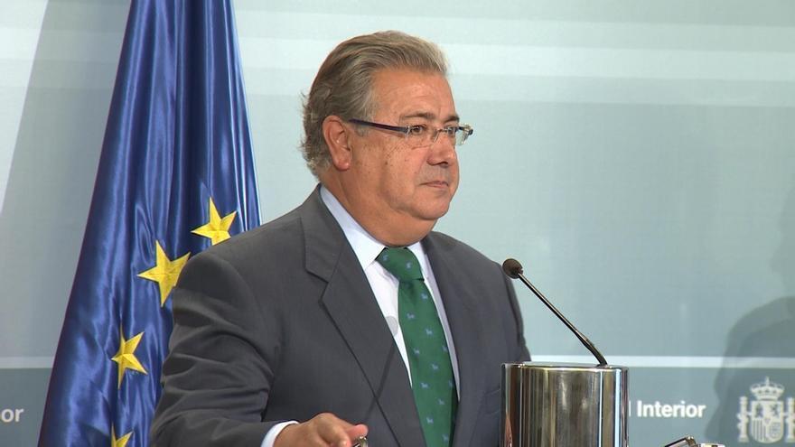 """Zoido pide explicaciones a Puigdemont sobre el aviso de la CIA: """"Cuando se generan dudas, hay que darlas"""""""