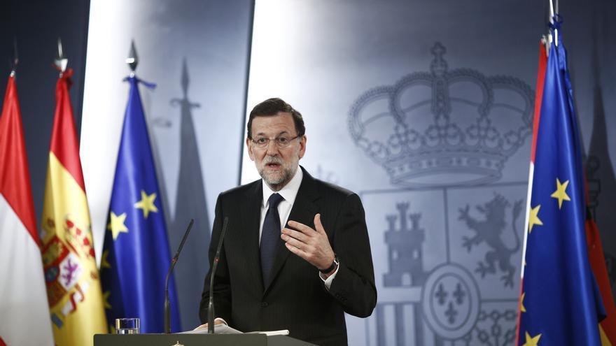 """Rajoy revela que habla """"a menudo"""" con Rubalcaba y dice que no debe """"sorprender"""" porque es """"normal"""""""