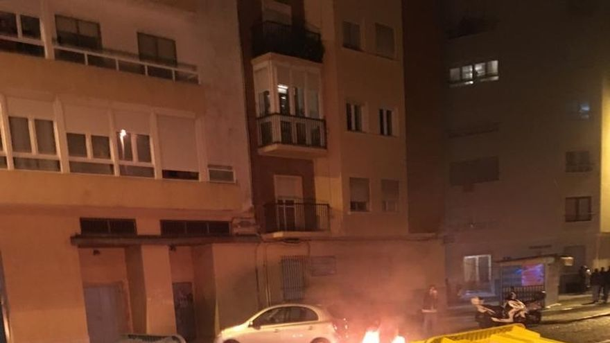 Dos detenidos acusados de desórdenes públicos y atentado contra agentes en la manifestación contra Vox