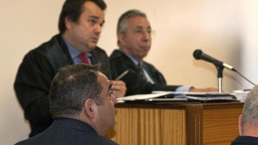 El exalcalde de Valverde Agustín Padrón, este jueves, durante la segunda jornada del juicio. (EFE/Gelmert Finol)