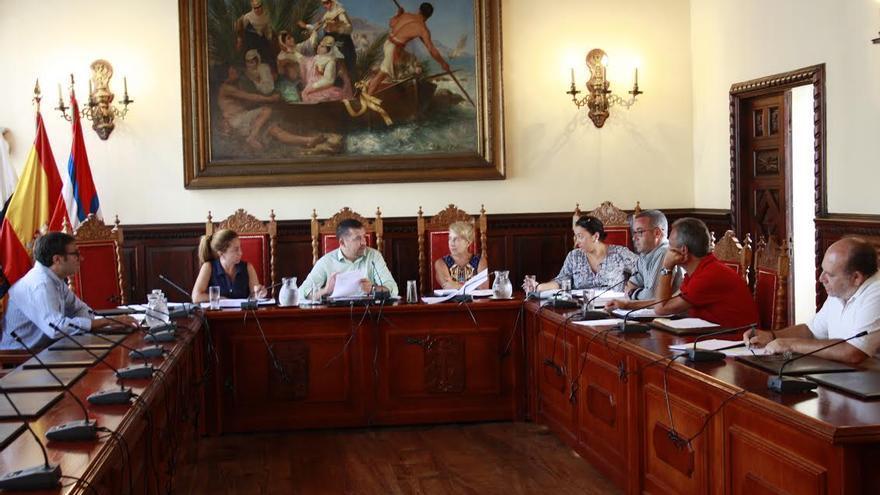 En la imagen, reunión del consejo de gerencia del Patronato Municipal de la Bajada de la Virgen 2015.