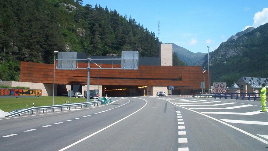 El túnel de Somport acumula problemas y protestas a ambos lados de los Pirineos