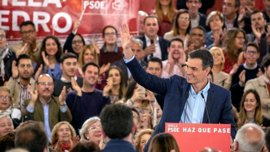 El CIS baja la nota de los líderes y mantiene a Sánchez como el más valorado