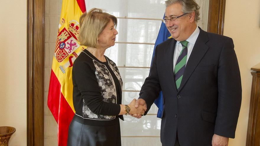 El ministro del Interior se reúne con la embajadora argelina en España para hablar sobre inmigración,