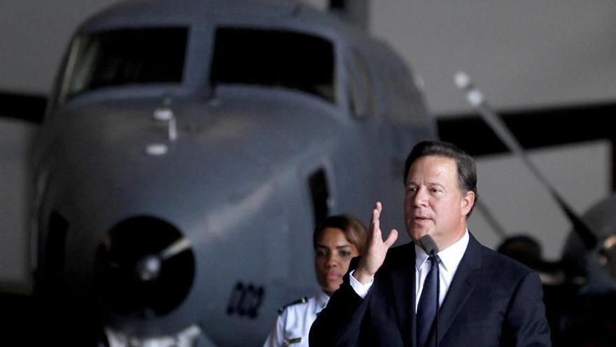 El presidente de Panamá sale del país en viaje privado y destino desconocido