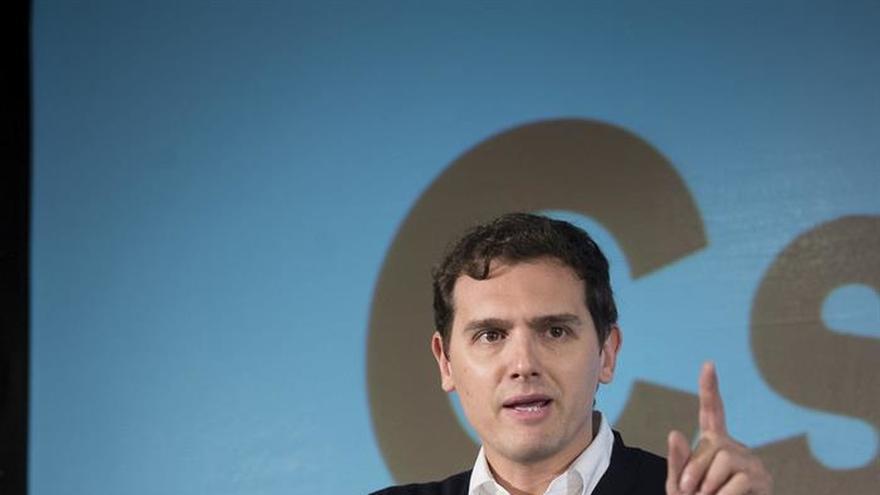 Rivera preguntará a Sáenz de Santamaría por la crisis política en Venezuela