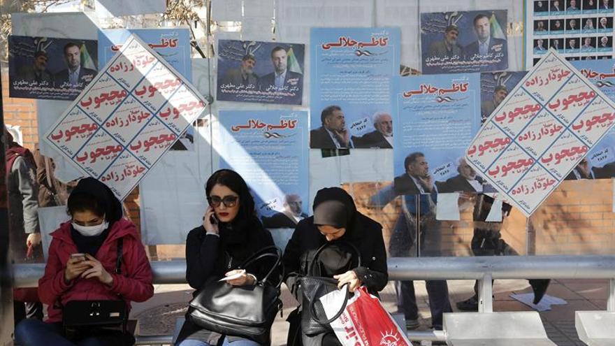 """Jameneí pide el voto masivo en las elecciones iraníes para """"decepcionar al enemigo"""""""