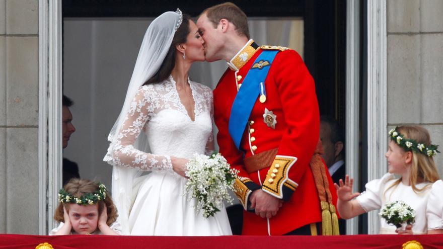 """Diez años de la boda de los duques de Cambridge, los """"favoritos del pueblo"""""""