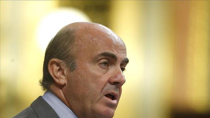 De Guindos destaca que la ayuda a Grecia no estuvo exenta de dificultades
