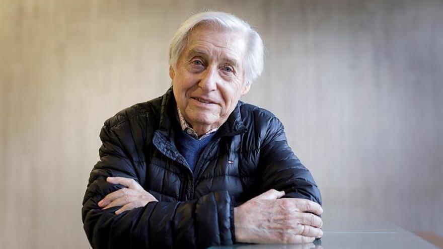El pianista Joaquín Achúcarro, de 86 años, dará tres conciertos dentro del Festival Internacional de Música de Canarias con la Orquesta de Cadaqués.- EFE/Ramón de la Rocha