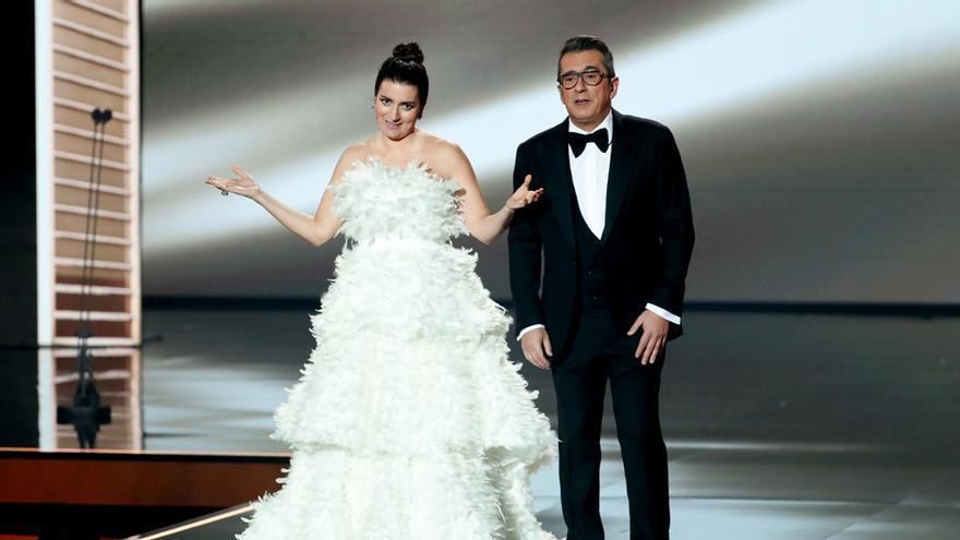 Silvia Abril y Buenafuente presentando los Goya 2020