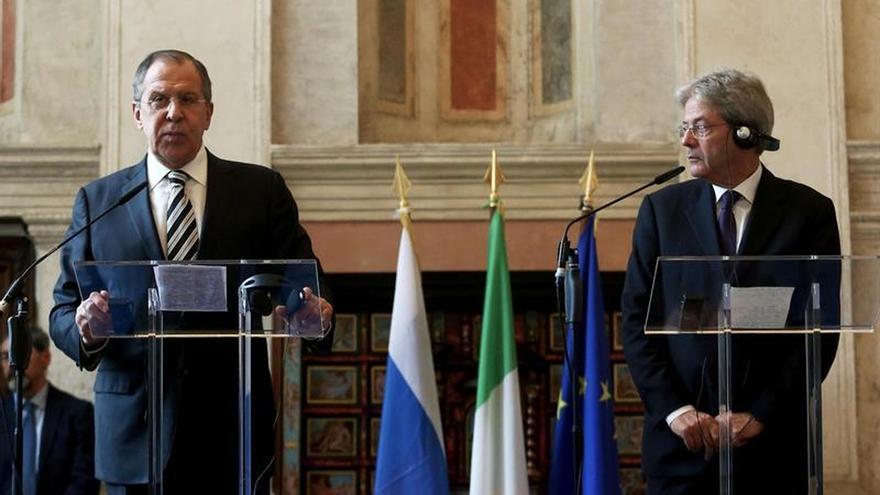"""Lavrov dice que Siria """"es un país fundamental"""" y no puede terminar como Libia"""