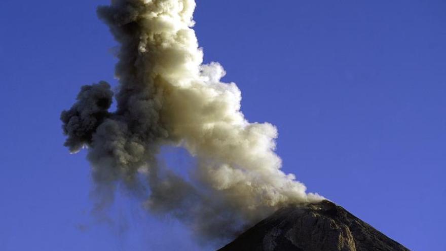Alertan de alta vulnerabilidad en las comunidades del volcán de Fuego por lluvias