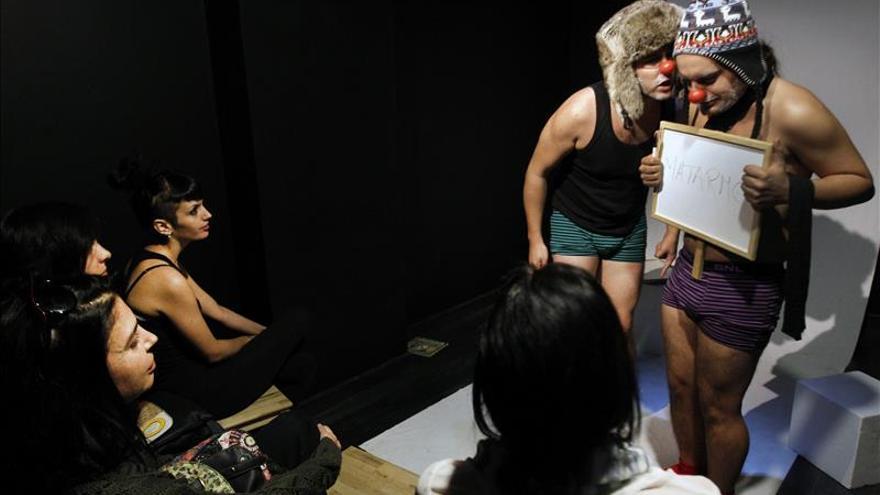 Arrasa en Valencia mini teatro en 15 minutos, para 15 personas y en 15 metros