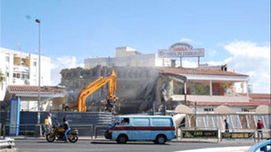 Cae el edificio del viejo Mesón Viuda de Franco