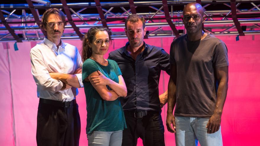Los actores de 'Los Malditos' Quique Fernández, Soraya del Rosario, Gustavo Saffores y Emilio Buale