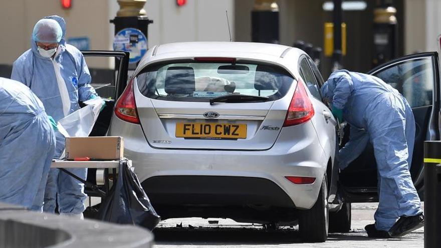 La Policía registra tres propiedades en relación con atropello en Londres