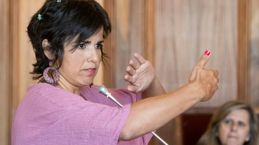 Teresa Rodríguez pide una pena de abuso sexual para el empresario que simuló besarla