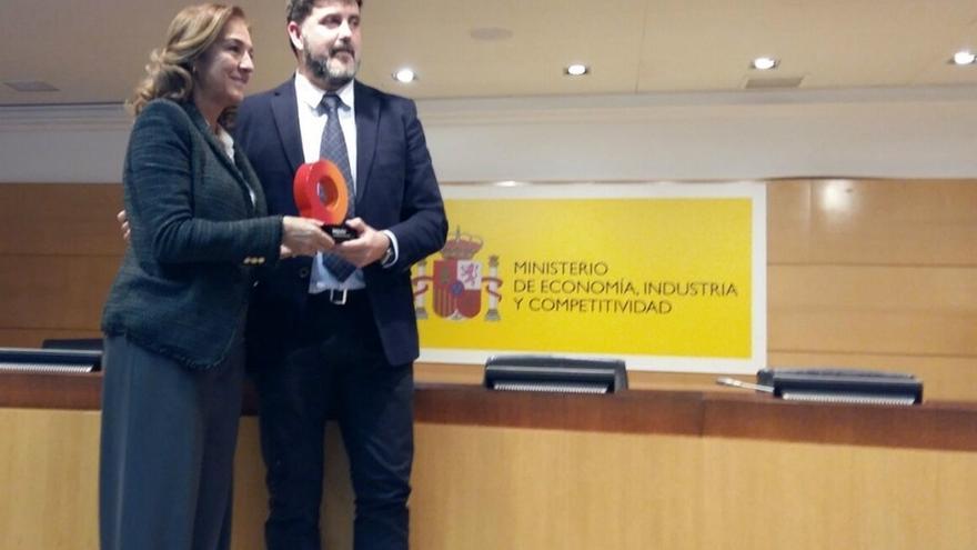 El Ayuntamiento de Camargo recibe la distinción de 'Ciudad de la Ciencia y la Innovación'