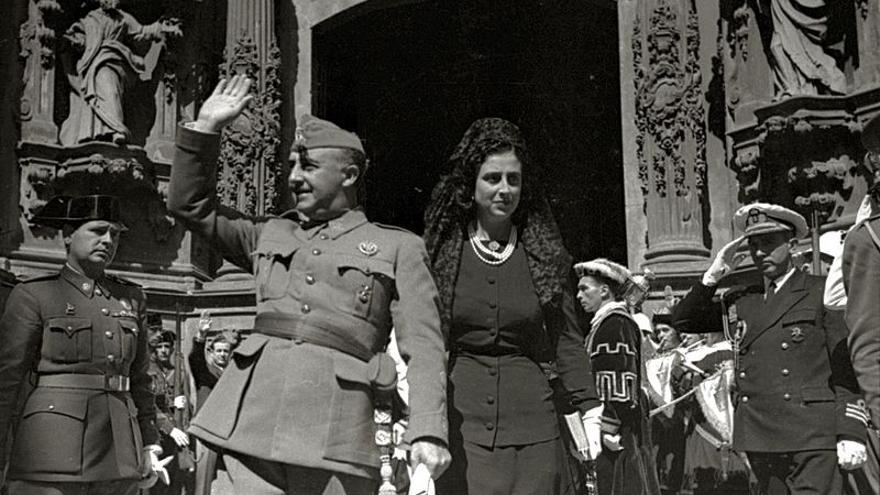 Francisco Franco y Carmen Polo, que desde el jueves estarán en el mismo panteón.