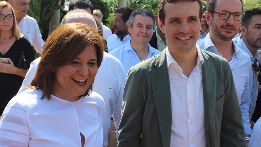 La líder del PP valenciano, Isabel Bonig, junto al presidente del Partido Popular, Pablo Casado