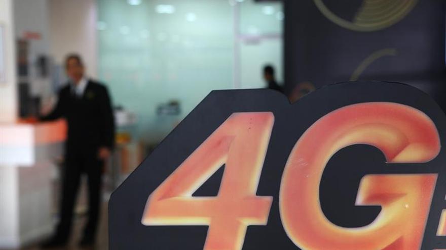 Orange invierte 890.000 euros en renovar la red móvil de aeropuerto de Madrid