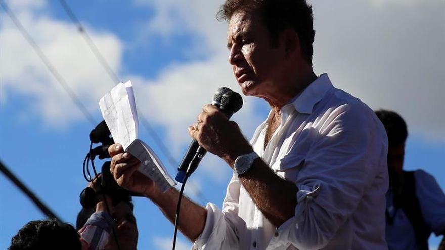 Nasralla pide que un tribunal internacional revise las actas de las elecciones en Honduras