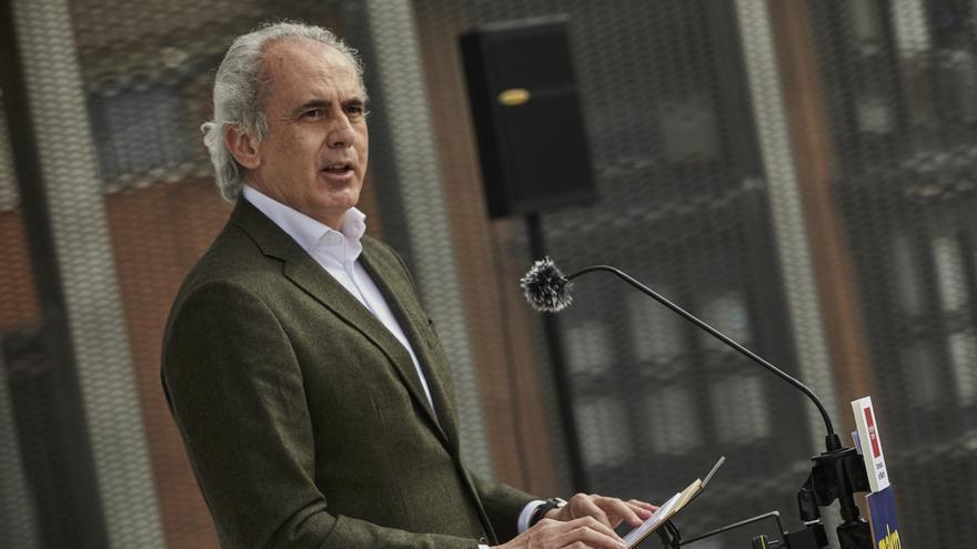 El consejero de Sanidad de la Comunidad de Madrid, Enrique Ruiz Escudero interviene durante su visita al nuevo punto de realización de test de antígenos puesto en marcha dentro del `Plan SUMAMOS´, en la sede de Makro.
