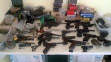 La policía francesa decomisa un arsenal de armas ilegales destinado a la venta en el mercado negro