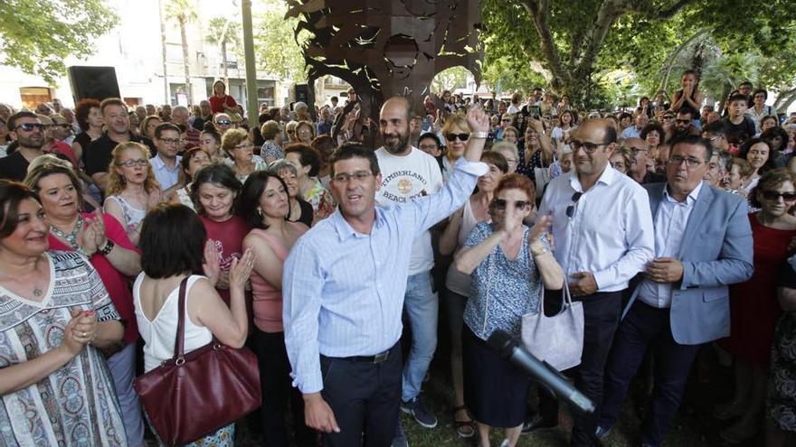 Jorge Rodríguez, en un acto de apoyo de sus vecinos tras la operación Alqueria