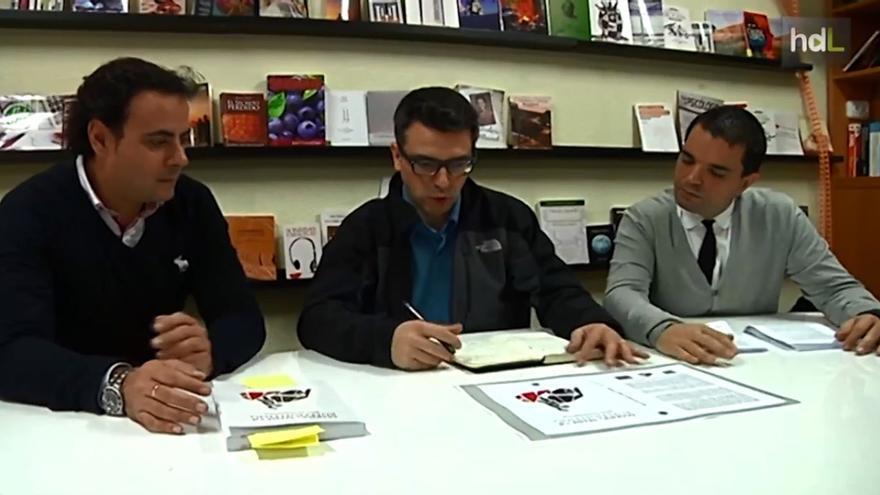 Tres de los miembros de un editorial sevillana financiada a través de crowdfunding