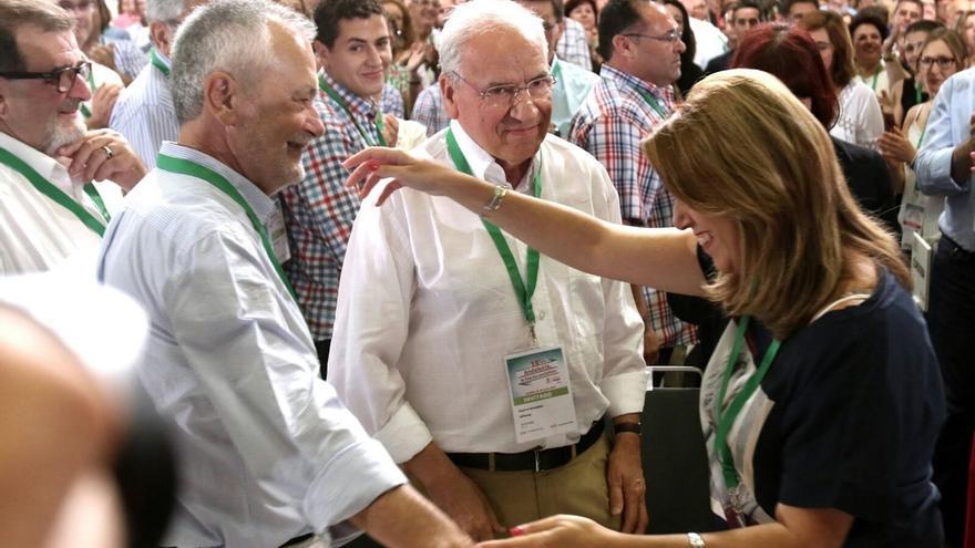"""Susana Díaz reivindica a Guerra: """"Hay páginas en la historia del socialismo que no se pueden arrancar"""""""