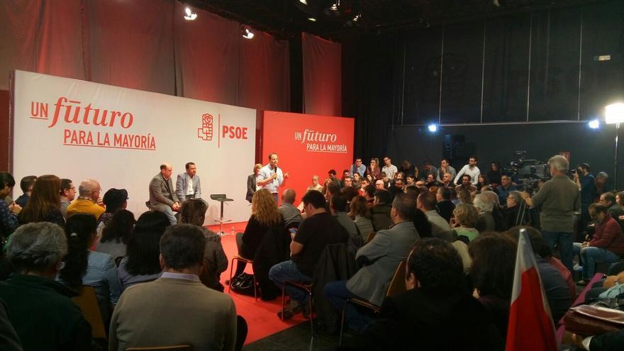 César Luena se dirige a los militantes de Alicante en un acto de precampaña electoral