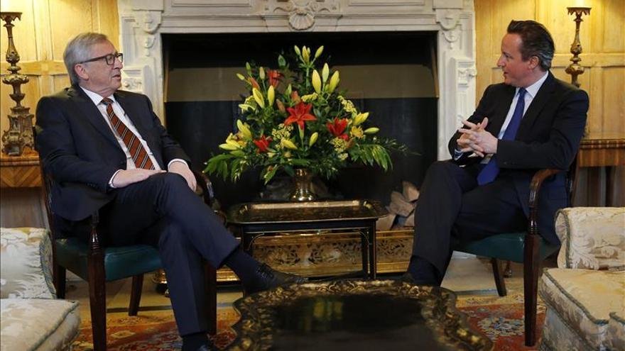 Cameron expone a Juncker sus planes de reformas de la UE antes del referéndum