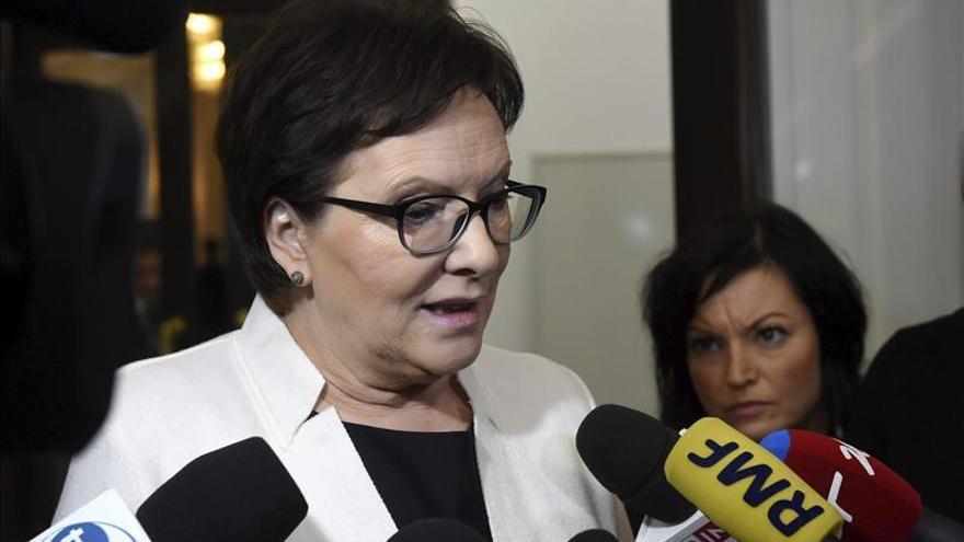 Primera ministra polaca promete más gasto social y reducir edad de jubilación