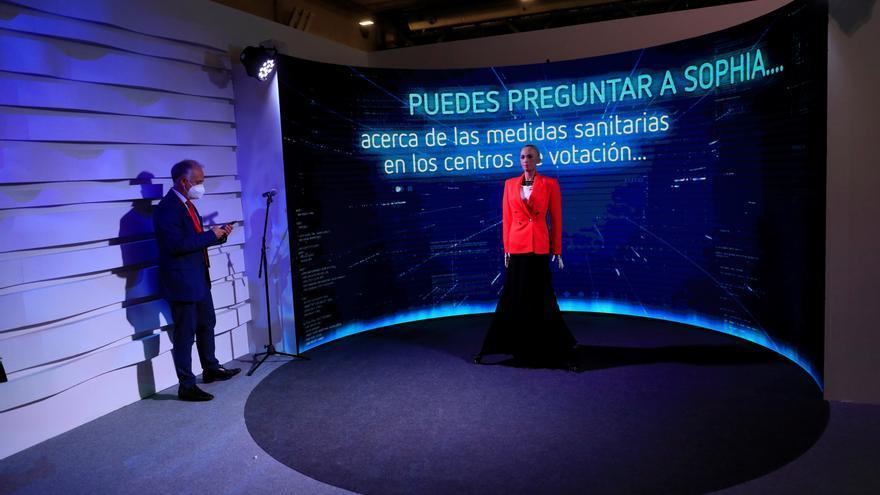 Madrid estrena la inteligencia artificial en las elecciones con el robot Sophia