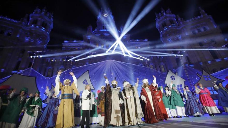 Los Reyes Magos vuelven a Madrid elegantes y entre fuertes medidas de seguridad