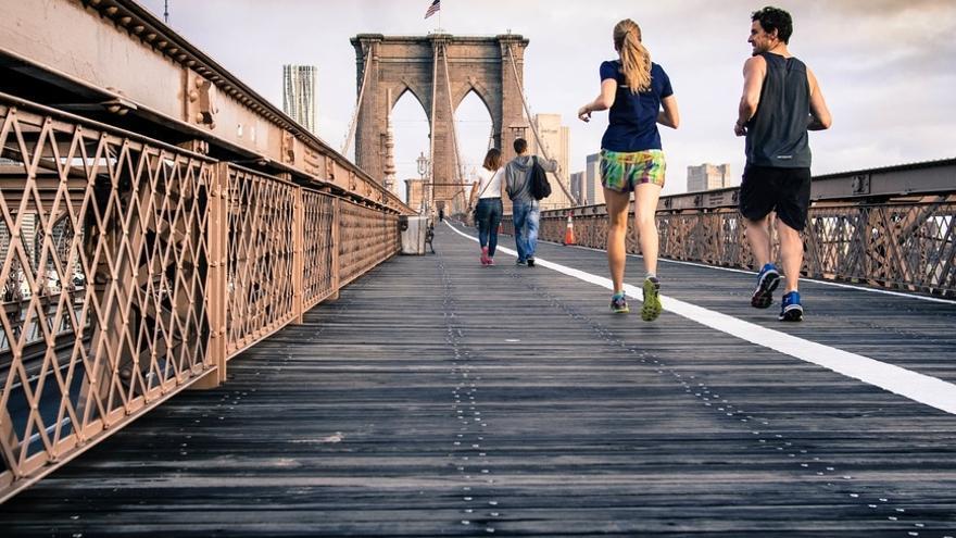 Aunque no den datos fiables o científicos, las 'apps' pueden servir de estímulo para hacer ejercicio. (Imagen: Pexels)